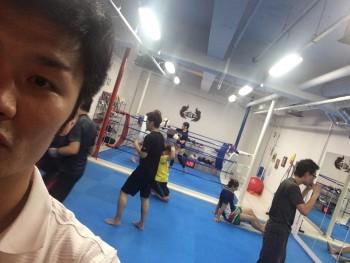 名古屋JKフィットネス キックボクシングジム-小学生のシュンガくんもキックボクシング!!