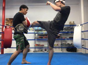 名古屋JKF キックボクシングフィットネスジム-キックを教えていただきました