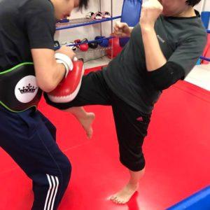 名古屋JKF キックボクシングフィットネスジム-早川さま わかりやすく教えてくれる