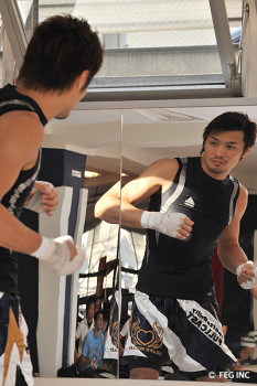 名古屋JKF キックボクシングフィットネスジム-佐藤嘉洋、早坂太郎公開練習について
