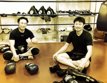 名古屋JKF キックボクシングフィットネスジム-プロになれるくらいの知識・技術を教えています