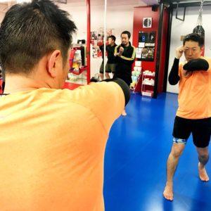 名古屋JKF キックボクシングフィットネスジム-三好さま 誰でもキックボクサー気分を味わえる