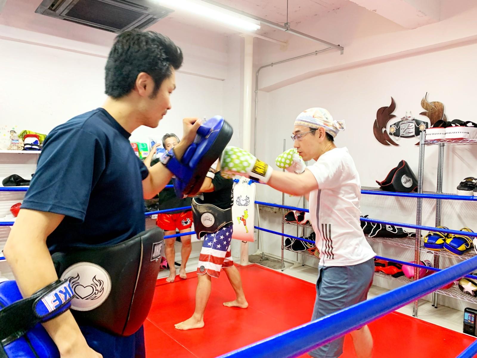 名古屋JKF キックボクシングフィットネスジム-JKF流持ち合いミットの心がけ。大切なのは「恐怖を乗り越える勇気」